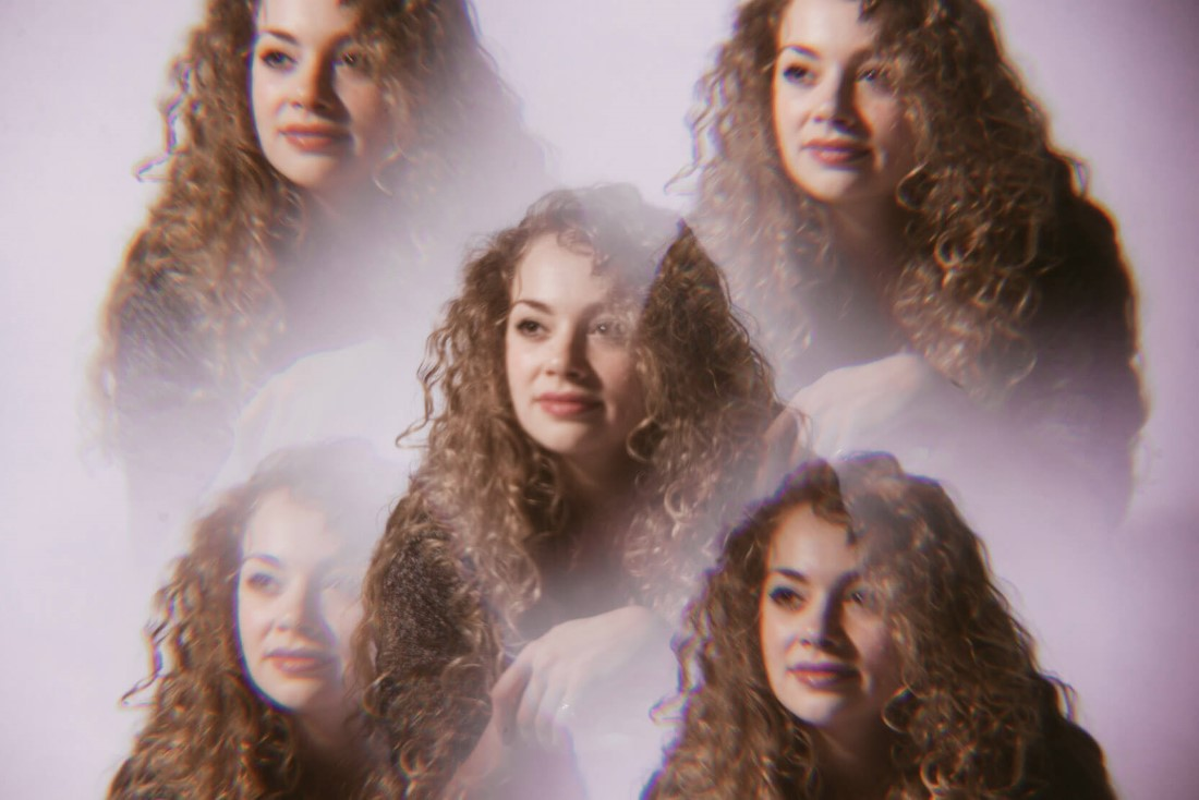 Carrie_Fletcher_TenEighty_April_2015_Rebecca_Need_Menear_04