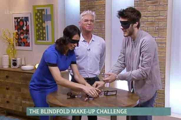2015_08_05_BlindfoldedMakeupChallenges_JonAitken_Image