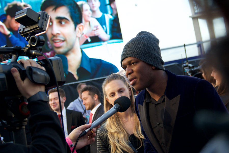 KSI was also getting chatty on the red carpet. Is that a cheeky Vikkstar in the background too?