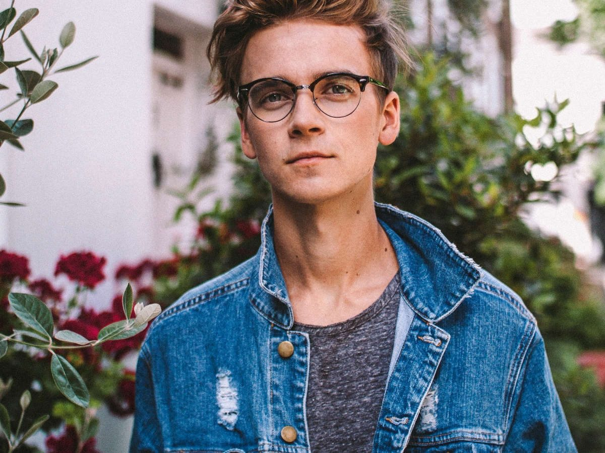 Joe Sugg Living The Sugg Life Teneighty Internet Culture In Focus Gunna give this one a go! joe sugg living the sugg life